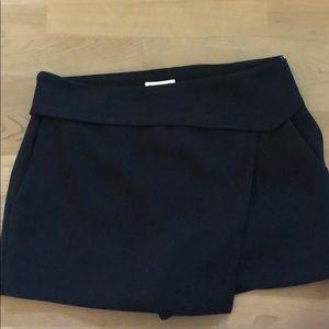 Club Monaco Zane Skort Black, Size 2
